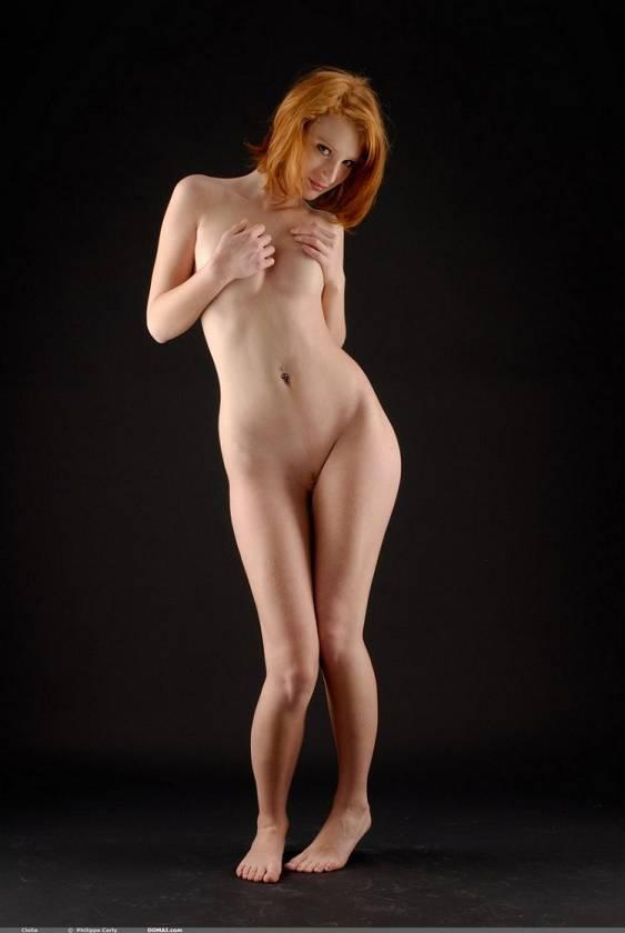 придумала-поставила голая рыжая длинноногая красотка видите