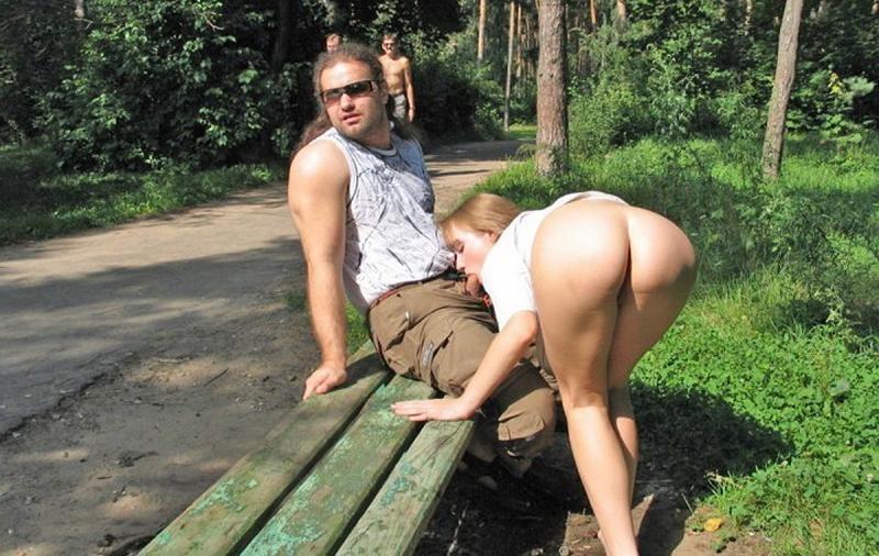 Публичный секс на улице города