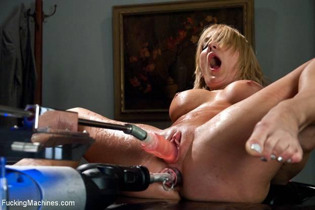 как ебут контакте в сексмашины фото жен.с сайта