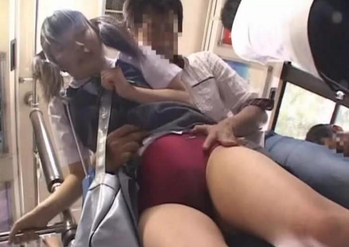Сестра дала в автобусе секс порно