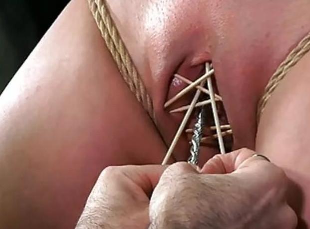 Пиздой с порно пытки