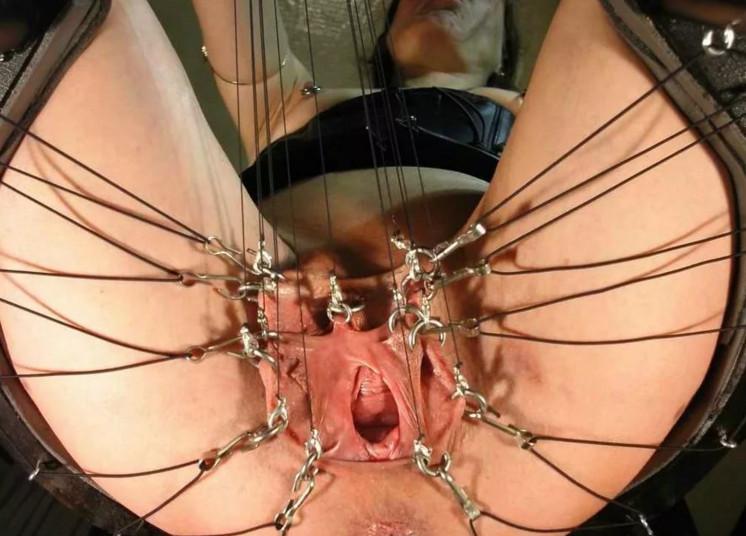 пытки с пиздой порно