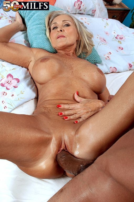 Redtube milf with firdt time lesbian